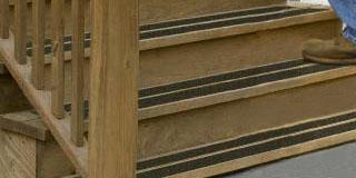 Накладки на ступени лестницы из дерева
